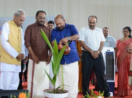 Suresh Palekar in a meeting about zero budget farming